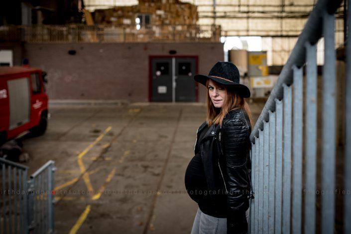 stoere zwangerschapsfotografie mill boxmeer venray veghel uden nijmegen mill