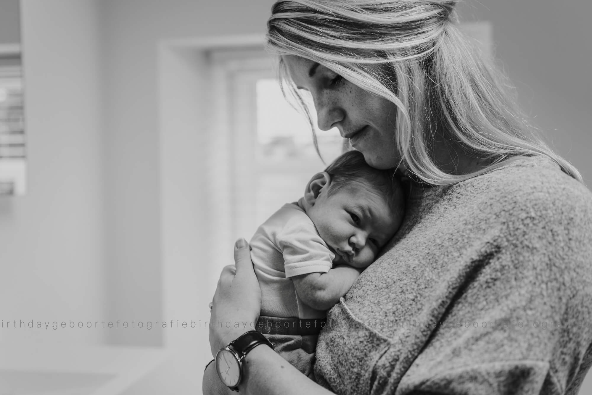 Lifestyle newbornfotografie Mill Birth Day geboortefotografie Cindy
