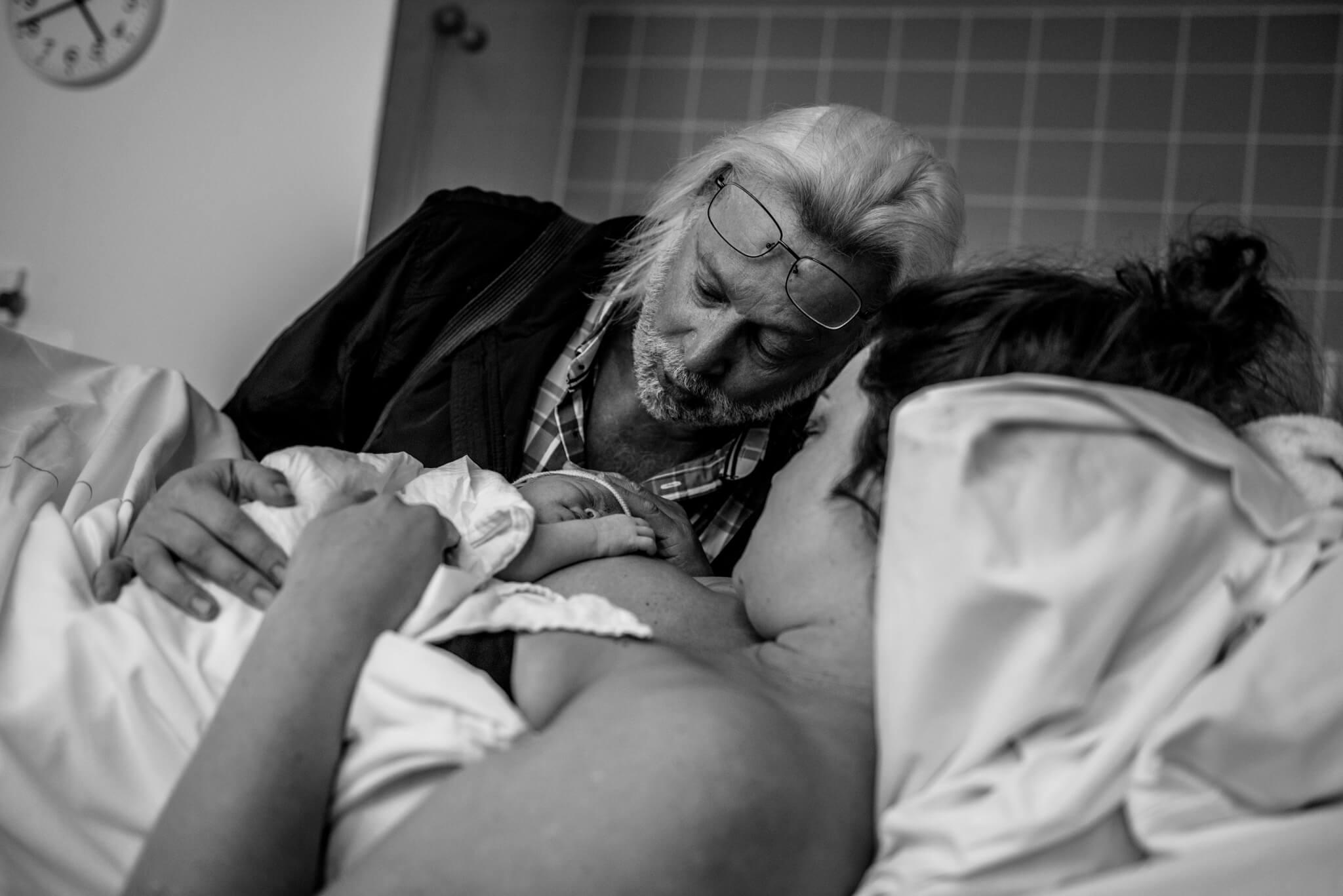 Geboortefotografie Nijmegen opa